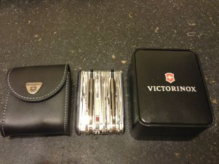 VICTORINOX SWISS ARMY KNIFE SWISSCHAMP XAVT MULTI TOOL WITH POUCH
