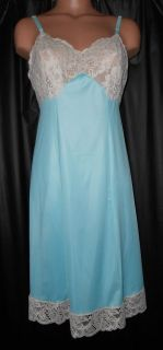 Vintage VAN RAALTE FULL SLIP S 34 Bust Teal/Aqua NYLON Beautiful LACE