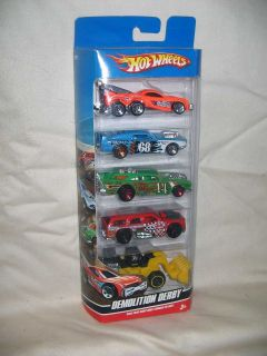 JOHNNY LIGHTNING 73 CHEV CAPRICE WAGON DEMOLITION DERBY R22