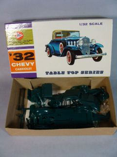 VINTAGE 32 CHEVY CABRIOLET MODEL KIT PYRO COMPLETE