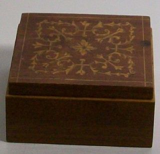 SMALL WOODEN HINGED GOLD INLAY TRINKET RING BOX
