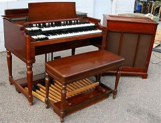 BEAUTIFUL HAMMOND BC ORGAN AND TONE CABINET !! 3 C B