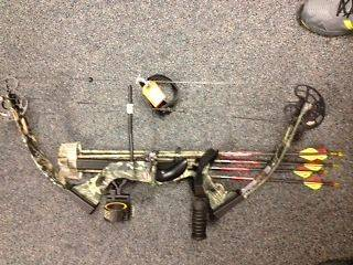 PSE Firestorm Lite Compound Bow EXTRAS Hunting Package RH Excellent