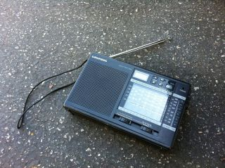Grundig Yacht Boy 206   15 Band World Receiver Radio