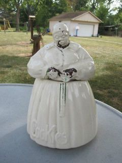 vintage mammy cookie jar in Collectibles