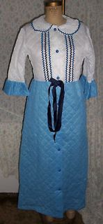 70s Long Quilted House / Lounging Robe Sz 12 Blue & White w Rick Rack