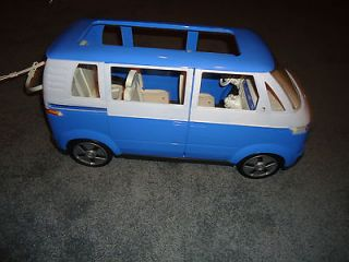 BARBIE HAPPY FAMILY VW BUS BLUE & WHITE 2002