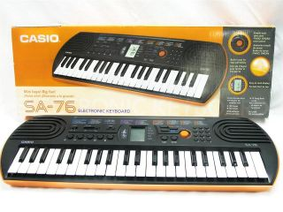 CASIO SA 76 Electronic KEYBOARD 44 MIni Size Keys Piano   Organ w