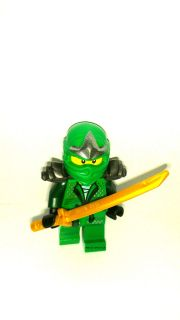 Lego Ninjago GREEN NINJA   Lloyd ZX Minifigure w/Gold Sword   9450 NEW