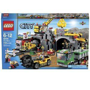 Lego City The Mine Set# 4204 New in Box Factory Sealed Gold Mine Gold