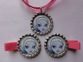 Monster High Abbey Bominable Bottle cap necklace Hair clips #3