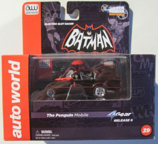 AUTO WORLD 4 GEAR R8 SIVER SCREEN BATMAN THE PENGUIN MOBILE WITH CLEAR