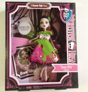 SNOW BITE Monster High Scary Tales Draculaura Doll X4484