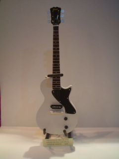 Guitar (24cm Tall)  GREENDAY BILLIE JOE ARMSTRONG LES PAUL JUNIOR (W