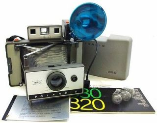Vintage Polaroid 320 Instant Pack Film Land Camera w/ Flash Very Good