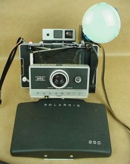 Polaroid 250 Land camera complete outfit Gorgeous near mint condition