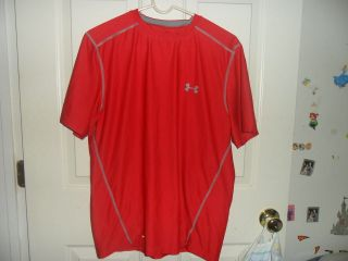 UNDER ARMOUR MENS HEAT GEAR FITTED SHIRT RED SIZE LARGE ALSO GREAT FOR