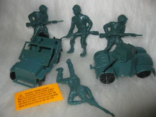 Military Army Cake Decorating Kit Cupcake Picks Cake Toppers Figures