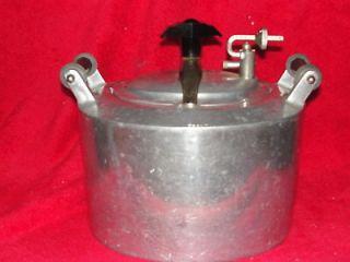 Vintage minit maid pressure cooker or chicken fryer