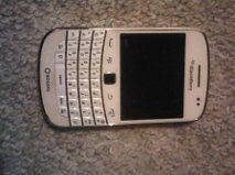 BlackBerry Bold 9900   8GB   White (Unlocked) Smartphone