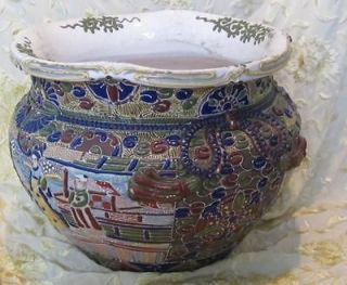 STUNNING ANTIQUE JAPANESE ORNATELY ENAMELED MORIAGE POTTERY JARDINIERE