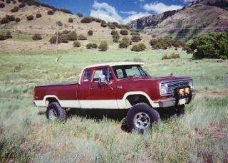 Dodge Ram 72 75 sliding rear window back glass slider D