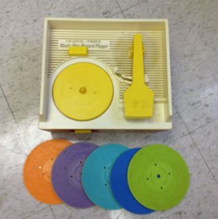 Fisher Price VINTAGE Music Box RECORD PLAYER All 5 Records, LOOK