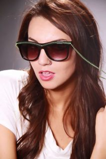 Black Green Plastic Frame Chain Trim Necklace Sunglasses @ Amiclubwear