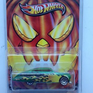 Hot Wheels Dream Halloween 2012 Purple Passion Special Limited Edition