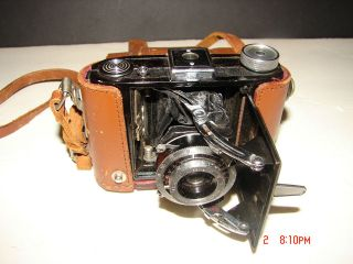 VINTAGE 1950S BABY SUZUKA CAMERA WITH LEATHER CASE PHOTO PHOTOGRAPHY