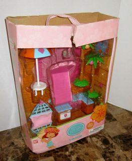 Strawberry Shortcake Island Suitcase Berry Tropical Playset
