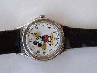 vtg mickey mouse watch lorus quartz black band with wear