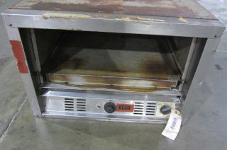 BAKERS PRIDE PIZZA OVEN   OPEN FRONT Model P24   PRICE REDUCED 35%