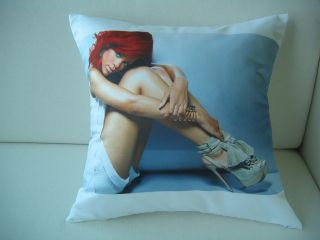 Music Memorabilia  Rock & Pop  Artists R  Rihanna
