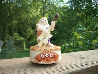 WDCC SCHMID Snow White Ceramic Music Box Starring DOC Collectable