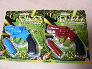 SMALL DIECAST DIE CAST METAL TOY CAP GUNS   USES 8 SHOT PLASTIC