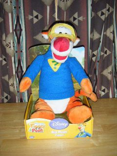Disney BIG HUGS Tigger Super Sleuth  My Friends, Tigger & Pooh Plush