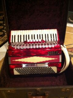MADE IN ITALY NOBLE ACCORDION 1 OWNER ACCORDIAN SOUNDS GREAT