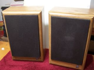 Acoustic Research AR 8B Bookshelf Speakers AR8B