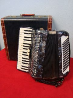 Enrico Roselli Medium Size Accordion Italy Hard Case 96 Bass Chords 34