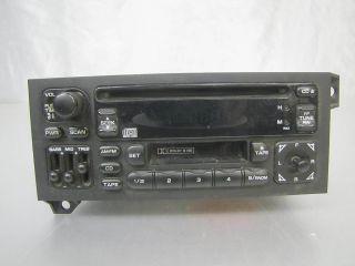 MOPAR JEEP P04704383AH CD PLAYER CASSETTE AM FM RADIO CAR STEREO