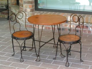 Child's Antique Ice Cream Parlor Table Chairs Bistro Set Fort Worth