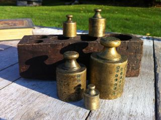 UNUSUAL ANTIQUE BRASS WEIGHT SET APOTHECARY SCALE WEIGHTS W BOX