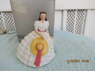 Avon Images of Hollywood Scarlett OHara Porcelain Figurine