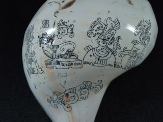 Mexican Folk Art Carved Conch Seashell Mayan Aztec Warriors Cameo