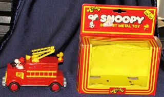 Aviva Snoopy Die cast metal toy fire ladder truck w woodstock original