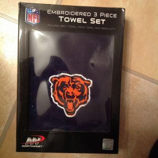 Brand New Chicago Bears Embroidered Three Piece Towel Set