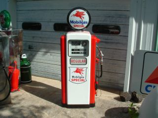 Vintage Mobil Wayne Model 100B Electric Gas Pump