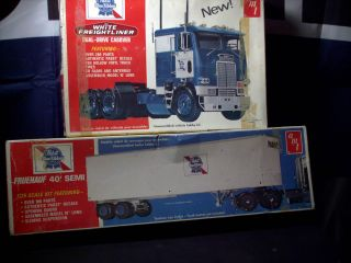 Model Kit Semi & Trailer White Freightliner and 40 Fruehauf Trailer