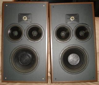 Vintage Polk Audio Monitor 10 Speakers w Stands